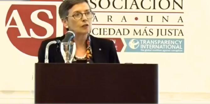 """Transparencia Internacional tildó de """"perros falderos"""" a los funcionarios de los organismos electorales"""