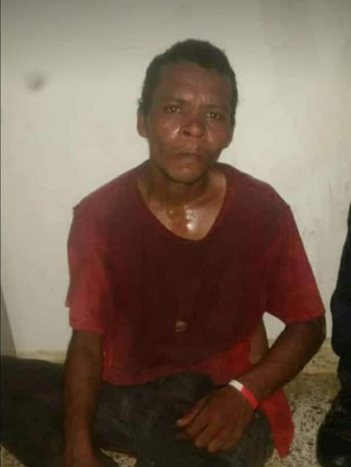 Olanchanos con machete en mano capturan a psicópata que hirió a varias personas
