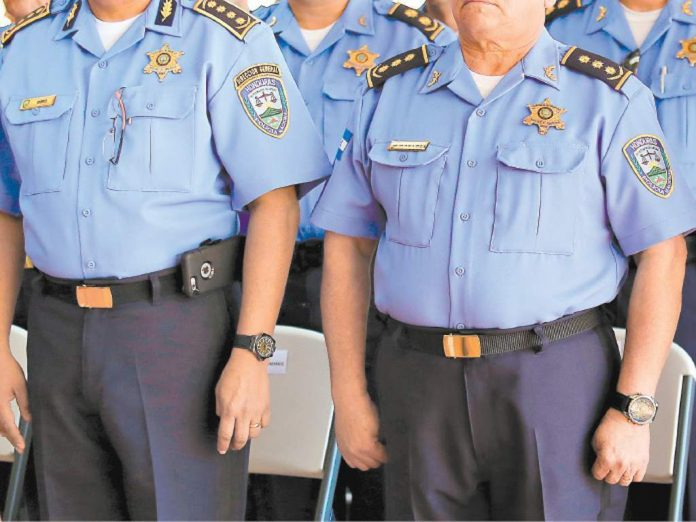 policía depurado