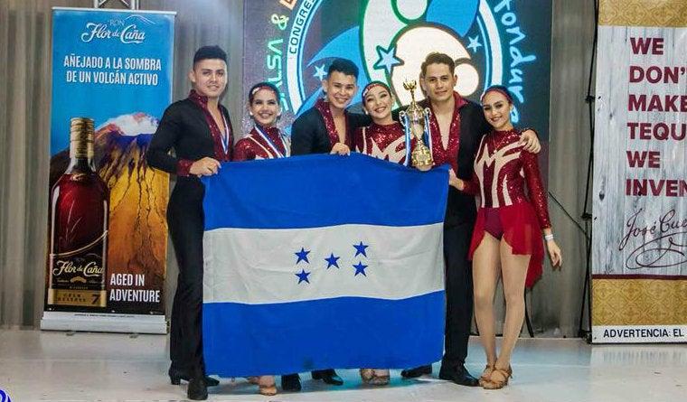 Academia Bailamos de SPS a mundial de salsa y bachata en Puebla, México