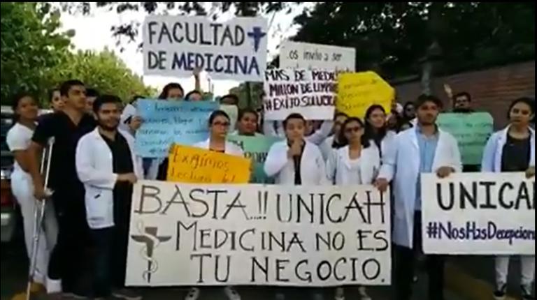 Estudiante de la Universidad Católica denuncia que recibió amenazas por protestar