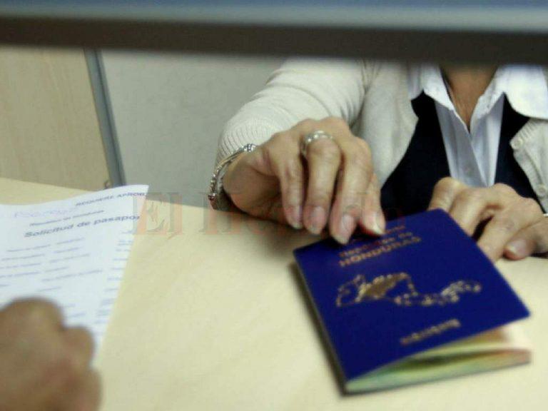 Advierten de supuestas irregularidades cometidas en la emisión de pasaportes y registro vehicular