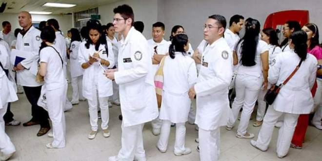 A partir de enero se otorgará más de 400 plazas para médicos, según el CMH