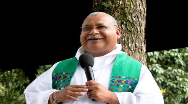 """Padre Melo a los hondureños: hay que unirnos por un """"acto de dignidad"""""""