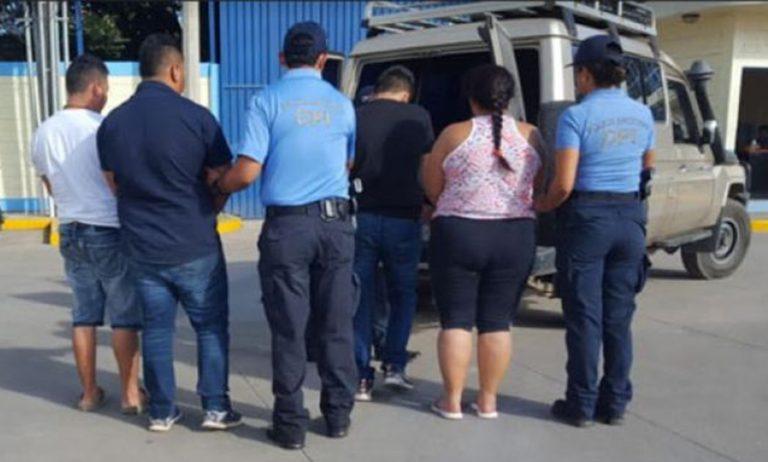 Cae banda de «coyotes» en Tegucigalpa con 13 ciudadanos de Bangladés