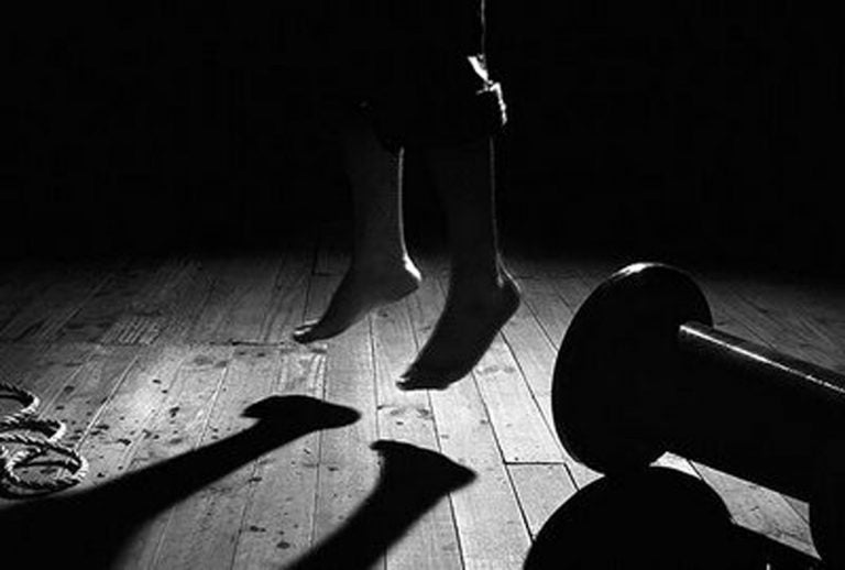 Continúa la ola de suicidios: Dos menores se quitan la vida en la capital