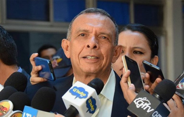 Porfirio Lobo: «yo no voy a creer jamás que un presidente sea complaciente con el narcotráfico»
