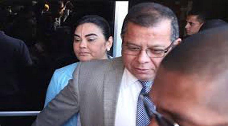 Abogado de la ex primera dama renuncia a continuar siendo su defensa