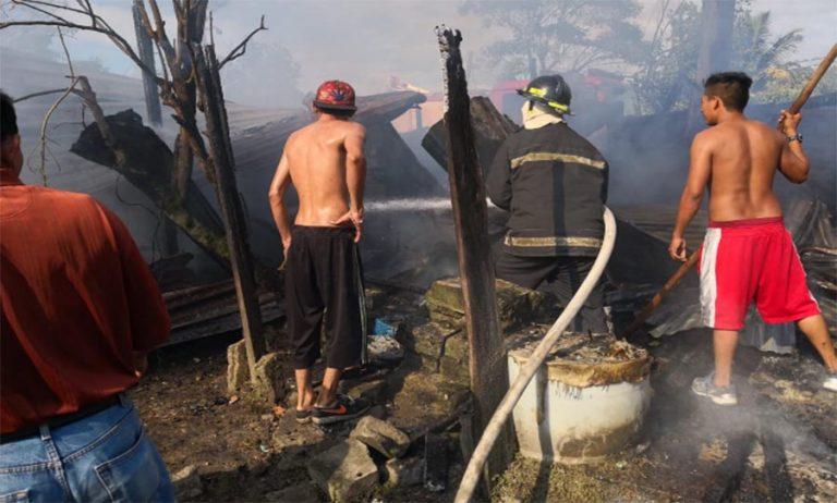¡Tragedia! Dos niños mueren calcinados tras incendiarse casa en SPS