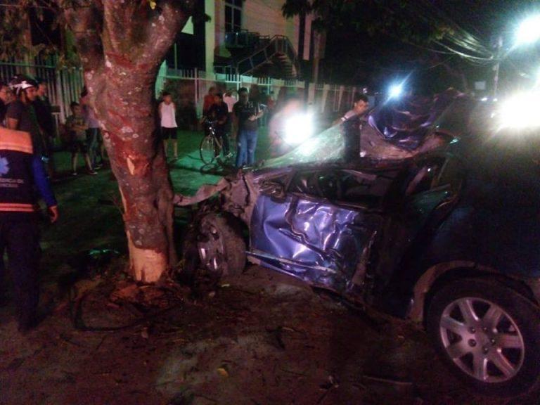 Dos jóvenes fallecen por fatídico accidente vial en carretera a Danlí