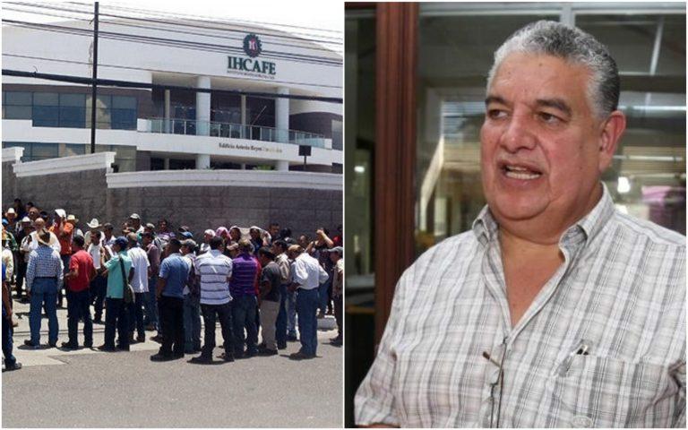Productores protestan frente al IHCAFE y denuncian irregularidades