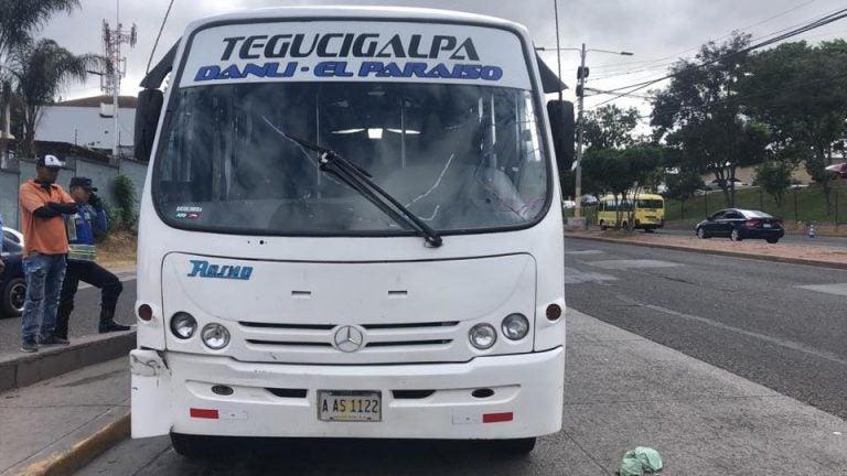 "Responsables de ""machetear"" a conductor de bus de Danlí están identificados: Policía Nacional"