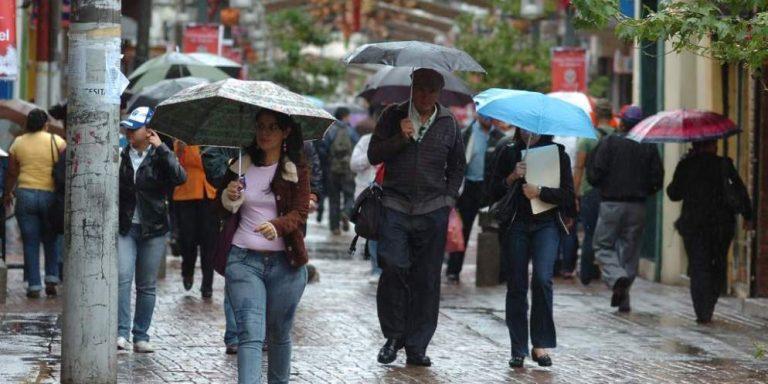 CLIMA DE ESTA TARDE: lluvias y temperaturas bajas seguirán por 30 horas