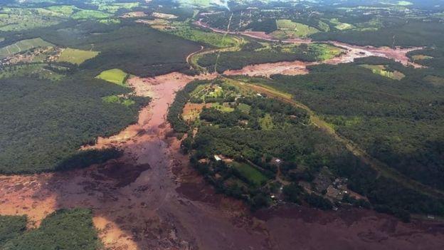 Rotura de presa en Brasil