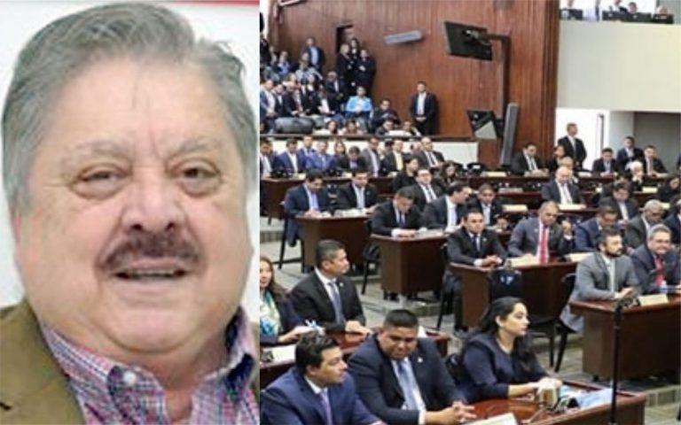 """Carlos Montoya: """"El Congreso Nacional divide la oposición y lo logra con dinero"""""""