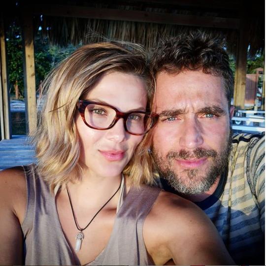 Actores Michel Brown y Margarita Parra visitan Roatán