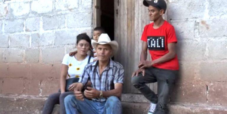 """Historia de """"A yo"""": suegro de Herminio no se opone a la unión matrimonial"""