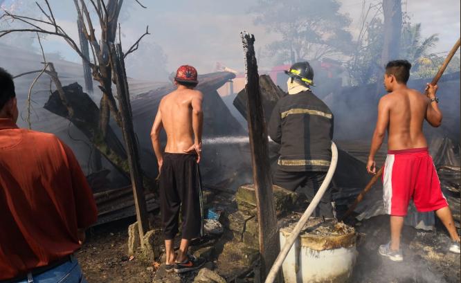 Entregan los cuerpos de niños que murieron en un incendio en San Pedro Sula