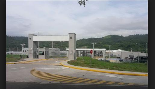 Familiares de reclusos denuncian abusos graves de las autoridades en centros penales