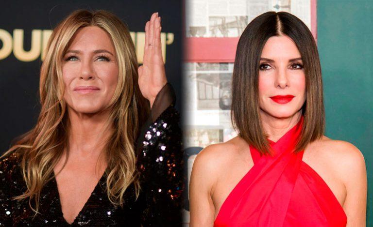 Jennifer Aniston sorprendió al estamparle un beso en la boca a Sandra Bullock