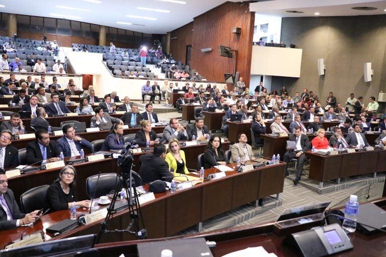 Abogados catalogan como «medida de protección» el quitar facultades al MP
