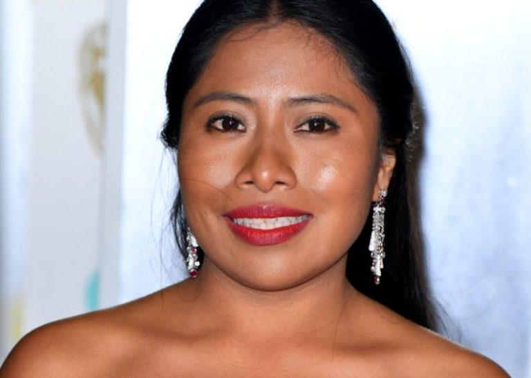 Yalitza Aparicio causa polémica por su atrevido vestido en los BAFTA