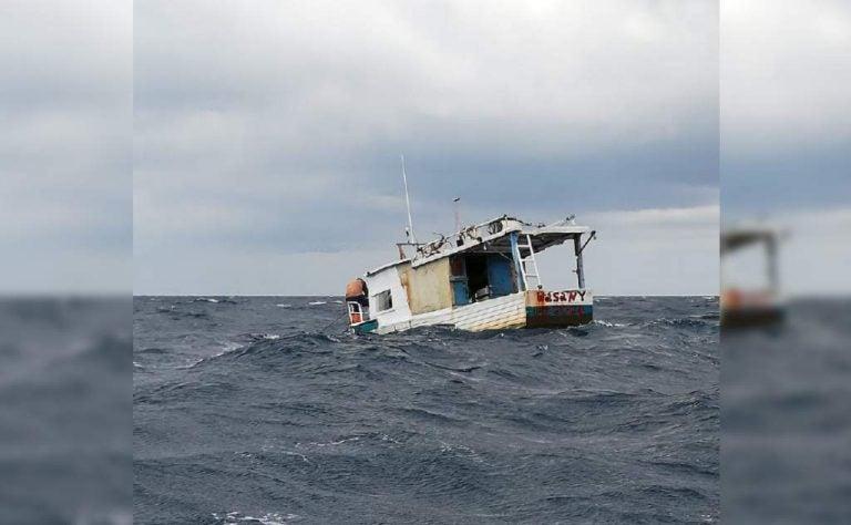 Utila: rescatan a dos pescadores tras quedar varados en un bote en alta mar