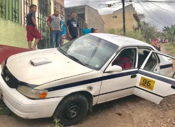Sujetos a bordo de una motocicleta asesinan a taxista en Juticalpa