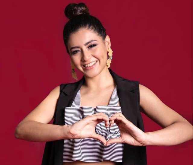 """Katheryn Banegas gana el título de """"Mejor Artista Extranjera"""""""