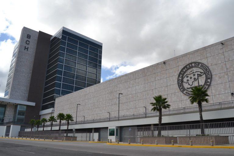 Funcionarios del Banco Central son los mejor pagados de Honduras