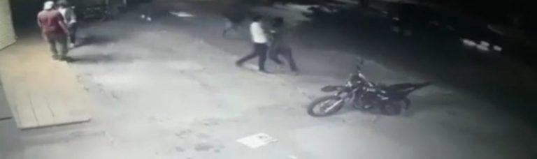 VÍDEO: ladrones asaltan tienda y al darse a la fuga los captura la Policía