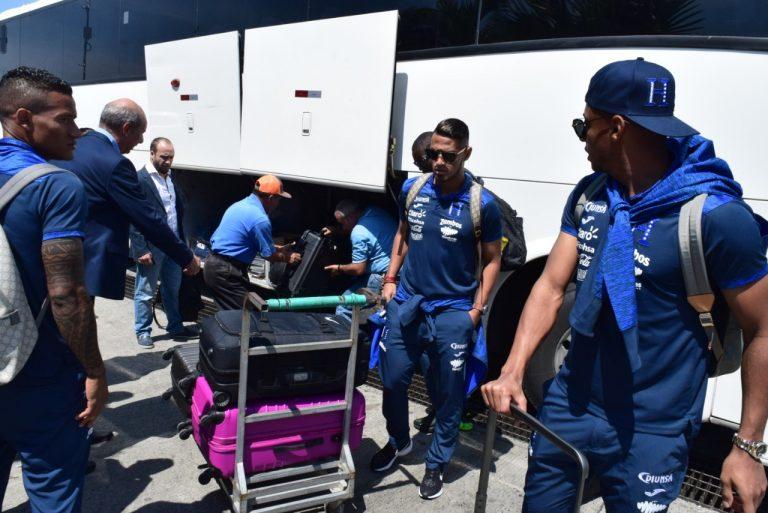 """La """"Bicolor"""" alzó vuelo rumbo a New Jersey para enfrentar a Ecuador"""