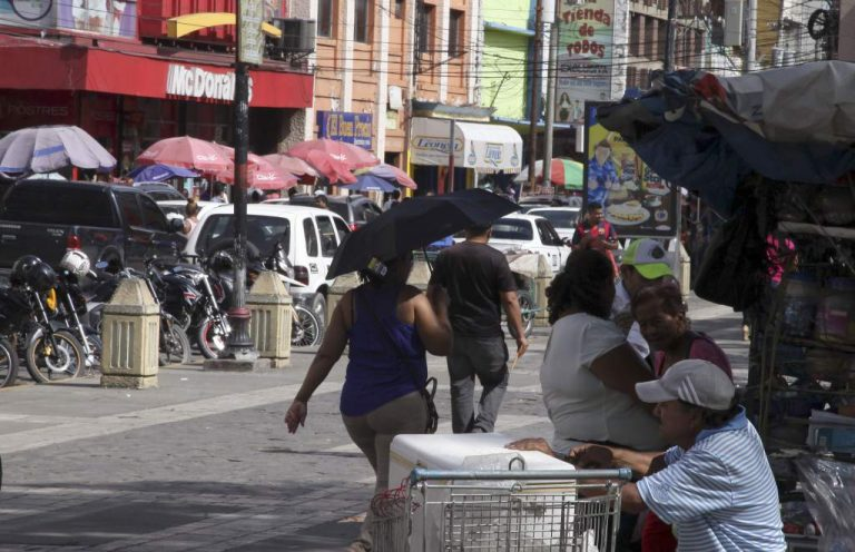 CLIMA DE HOY: temperaturas cálidas y lluvias para el oriente y occidente