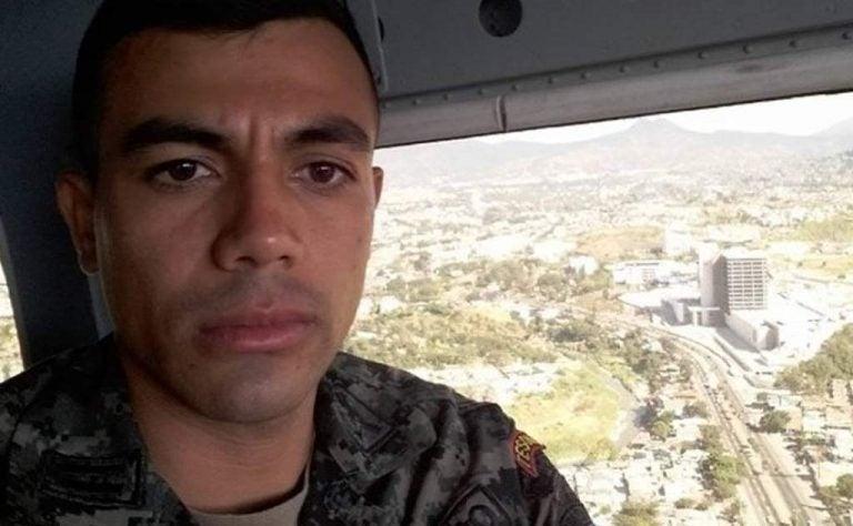 Experto explica por qué no le habría abierto el paracaídas de emergencia a Tito Olivera