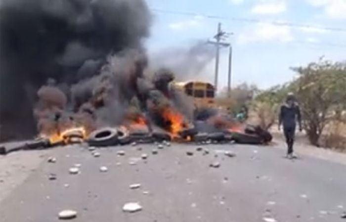 Protestas generan enfrentamientos entre manifestantes y la policía en Choluteca