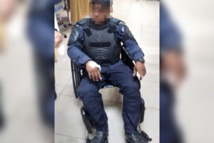 Policías heridos en protestas