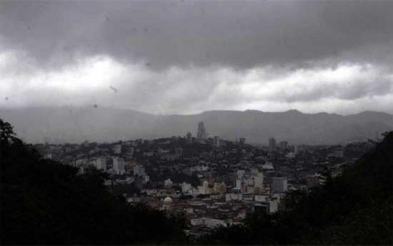 CLIMA DE ESTA TARDE: lluvias y actividad eléctrica en tres zonas del país
