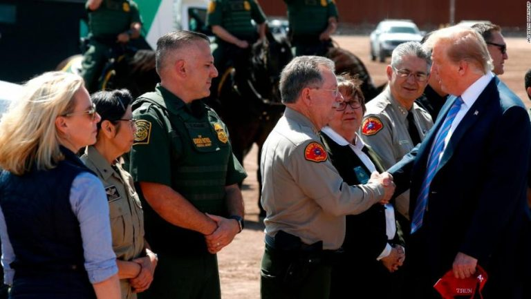 Trump dará indulto a jefe de Protección Fronteriza si viola Ley de Inmigración