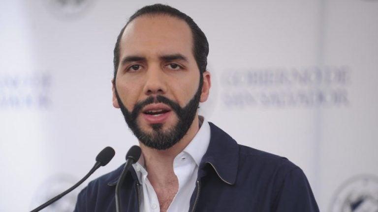 Nayib Bukele denuncia que el FMLN y Arena tratan de hundir a El Salvador