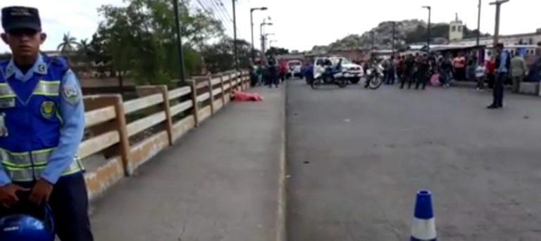 Por miedo a ser asesinado, joven se tira del Puente Soberanía en Comayagüela
