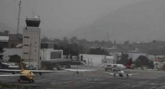 Por densa capa de humo Toncontín cierra operaciones temporalmente