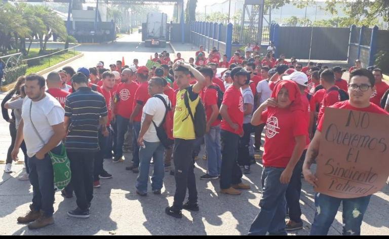 Trabajadores en Gildan, Río Nance, protestan por sus derechos laborales