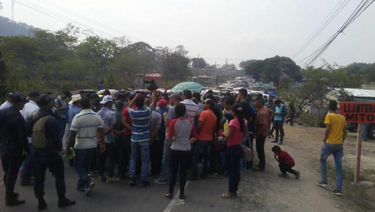 Protestas de maestros: carreteras en Santa Rosa de Copán y El Porvenir están tomadas