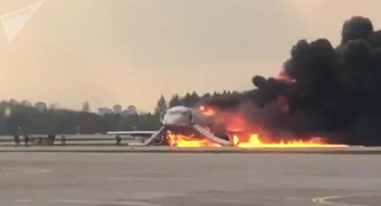 A 41 asciende número de víctimas de avión incendiado en Rusia
