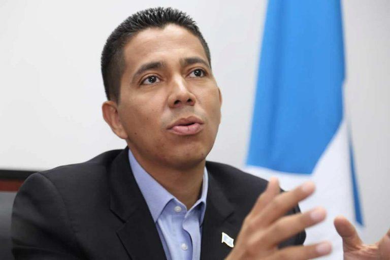 """Reinaldo Sánchez: """"Yo ando en campaña por los más pobres de Honduras"""""""