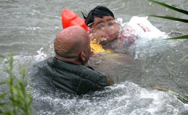 Rescatan a niño hondureño
