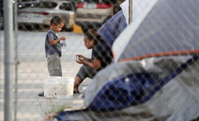 EEUU: congresistas buscan protección para mujeres y niños en el Triángulo Norte