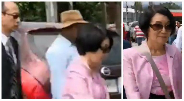 Embajadora de China Taiwán queda varada y camina entre una reacia protesta en Siguatepeque
