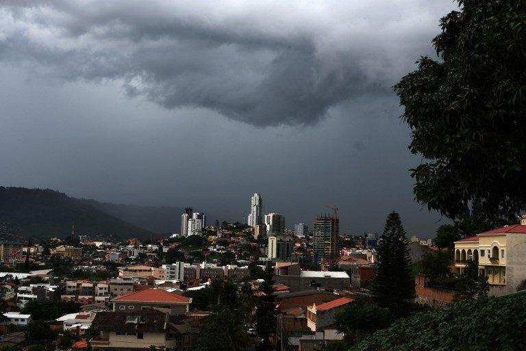 CLIMA DE ESTA TARDE: siguen lluvias por despliegue de onda tropical