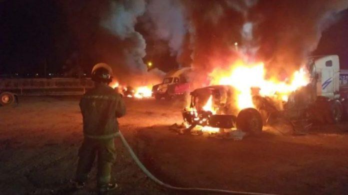 queman rastras y oficinas en SPS